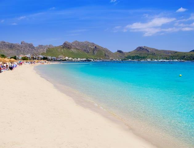 Servicio gratuito de toallas de playa o piscina prinsotel - Toallas piscina ...